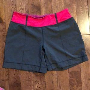 💕LULULEMON - EUC Vintage Shorts (8)